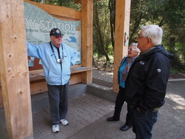 Jim and Connie talking to one of the volunteers at the Dungeness Spit Park