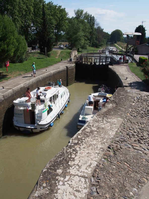 Canal du Midi - locking up.