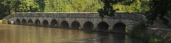 12 arched bridge across the Canal du Midi