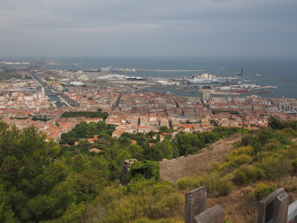 Overview of Sete from the hilltop