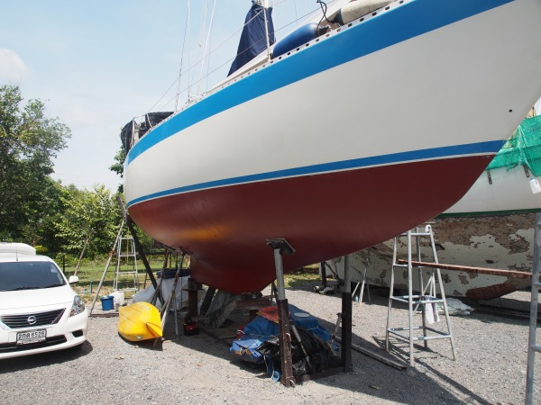 Waxed, barrier coated, primed and anti-fouled. Almost ready for the water