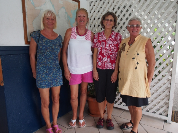 Sunday Brunch finery with Utta from Imagine, Divinia from Divanty, Marcia from Strider and Connie from Sage